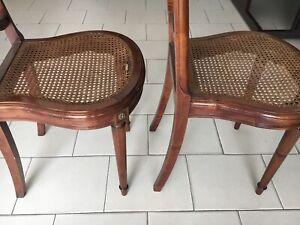 coppia di vecchie sedie con seduta in paglia di vienna