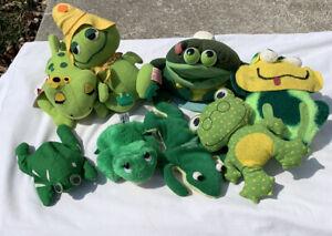 Lot Of 8 Vintage Plush Frogs Fun Farm Wallace Bean Bags