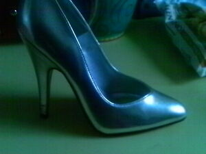 SILVER LEATHER LOOK 5' STILETTO PUMP sexy diva 6 MED