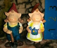 2 Lady Gnome Country Themed Resin Garden Gnome Ladies Mini Gardening Decoration