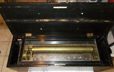 Sehr frühe Schweizer Walzenspieldose mit versteckten Glocken, Trommel