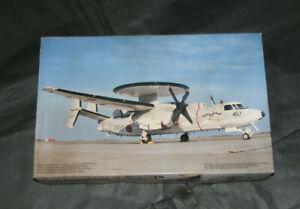 """Fujimi 1/72 E-2CJ HAWKEYE """"10th ANNIVERSARY"""" Model Kit"""