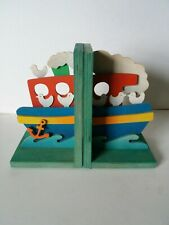 Wooden bookends - Tug