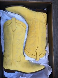 $750 DONALD PLINER SIZE 8 YELLOW BOOTS WESTERN SUEDE WOMENS  $178