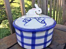 RABBIT BUNNY Primitive Crock Covered Casserole Dish Pot Blue Willow Stripe ❤️J8