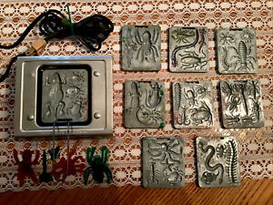 Excellent *Working Vintage 1964 Thingmaker +9 CREEPY CRAWLER Molds and BUGS!