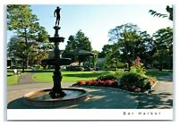 Postcard The Village Green - Fountain, Bar Harbor Maine ME K5