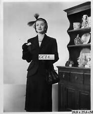 M.LOY- MRS BLANDINGS GOES SHOPPING-1948-RKO-E.BACHRACH