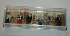 Lilliput Lane A Winters Day Out Accessory People 12197 Nip