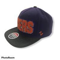 Black//Team Color Adjustable NCAA Zephyr Connecticut Huskies Mens Z11 Static Snapback Hat