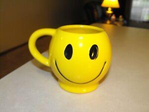 McCoy Smiley Face Mug Lighter Yellow