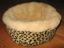 Small Round Fleece & Cheetah Fleece Bed