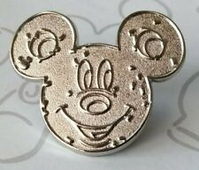 New listing Pretzel Chaser Food Series 2015 Hidden Mickey Mouse Icon Dlr Disney Pin 108553
