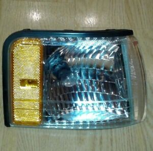 CADILLAC DEVILLE 99-97 RIGH drivers corner turn signal  lamp OEM