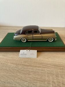 Franklin 1955 Bentley Car Model In Glass Display