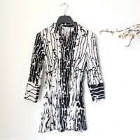 ALBERTO MAKALI Crinkled Blouse Button Down Top Black White Collared Shirt Small