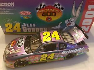 JEFF GORDON 2001 DUPONT LOONEY TUNES 1/24 ACTION DIECAST CAR 1/75,800