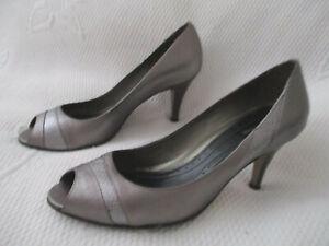 Ladies River Island pewter silver court shoes U.K. 6 (EUR39)