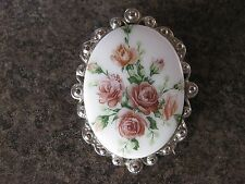 Vintage Fashion Oval Shape Polished Stone With Flowers Brooch