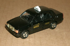 1/64 Scale Toyota Crown Comfort Taxi Cab Diecast Taxicab - Tomy Tomica 51 Black