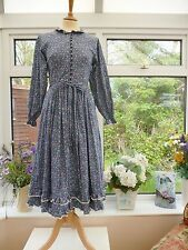 VINTAGE *ORIGIN* LIBERTY PRINT BLUE LACE TRIMMED FLORAL FOLK PRAIRIE DRESS Sz 8
