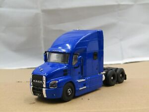 dcp/greenlight blue 2 Mack Anthem tractor new no box 1/64.,.
