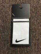 $30 Mens The Nike Tech Essential Magic Wallet Black/White