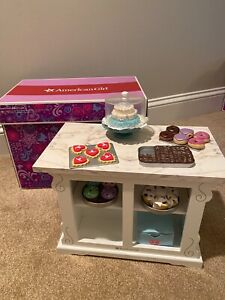 American Girl Doll Sweet Treats Bakery Case Stand with Box Retired Cake Cookies
