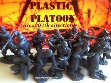 NEW! PLASTIC PLATOON, GERMAN FJs & Infantry,Winter 1941,12 rubber soldiers1:32
