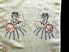 ~Great Vintage Fingertip Towel with 'Parosol Ladies'.Circa 1940-1950~
