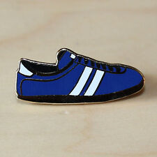 BLUE & WHITE ENAMEL TRAINER STYLE BADGE FOOTBALL / RUGBY - EVERTON / HALIFAX