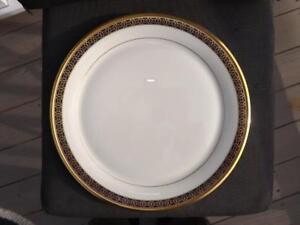 """Lenox Tudor Round Platter Chop Plate 12 3/4"""" Excellent Condition"""