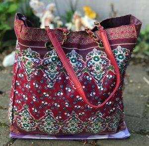 Beautiful Floral handbag Carry/Shoulder fabric bag Lightweight & spacious - VGC