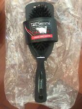 NWT TRESEMME -Brush Smooth Ceramic  Ion Cushion Brush Great Scalp Brushing NWT