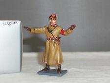 THOMAS GUNN BER004A GERMAN OFFICER DIRECTING TRAFFIC WORLD WAR TWO TOY SOLDIER
