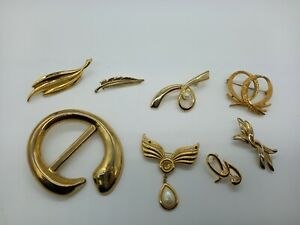 Bundle x8 Gold Tone Brooches Mixed Styles & Shapes inc Twists Feather Faux Pearl