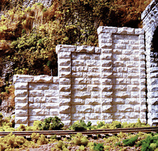 Chooch (HO-Scale) #8401 Cut Stone Stepped Tunnel Abutment (2-Pack) - NIB