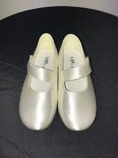 Childrens shoes Ivory Size 5 - Shades 2672 Flowergirl/bridesmaid/wedding/party