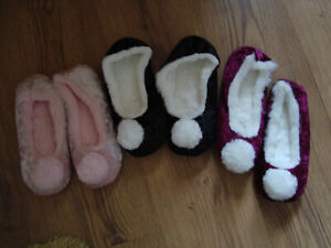 Ladies Girls Pink Red or Black Ballerina Slippers with Pom Pom-3 sizes & colours