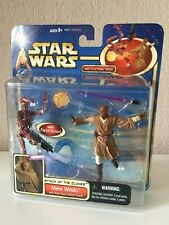 MACE WINDU WITH BLAST-APART BATTLE DROID (RED) -  STAR WARS - AOTC - 2002