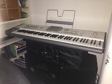 korg pa2x pro 76 keys, wood edge, bearly used, max memory, excelent condition