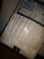 HB HOME BEYOND 7-PC SET  Round Tablecloth 70 in & 6 Napkins Ivory Polyester