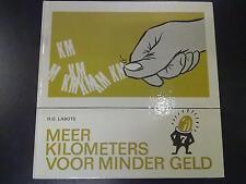 Zwaailicht serie #7 Meer kilometers voor minder geld door H.G. Labots