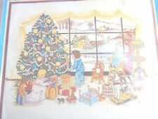 Paragon SANTA'S WATCHING Crewel Stitchery Picture Kit 1982 Canvas Only CUTE!!!