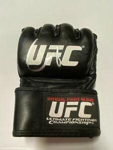 Conor McGregor Signed UFC Autographed Fight Glove Fanatics Holo A900229