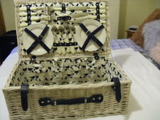 Anorak Kissing Robins wicker picnic hamper