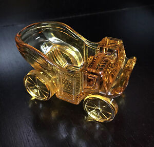 Vtg L.G. WRIGHT GLASS CO. Amber Ashtray Colonial Carriage Coach Car Wagon Buggy