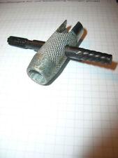 Spezieller Pressol Schmiernippel-Schlüssel Ausdrehen defekter Nippel Gewinde NEU