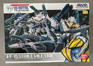Hi Metal VF-1S Strike Valkyrie Roy Focker Macross Bandai Robotech