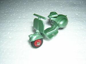 Classic metallic green red hubs Benbros Mighty Midgets 15 Vespa Scooter MINT